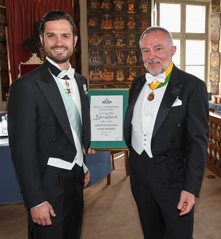 CEO awarded with Royal medal